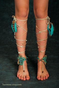 Coachella Inspired Barefoot Sandals Tribal Crochet Foot Jewelry Hippie Festival Wear Yoga Boho Anklet Feather jewelry Turquoise beads TEAL Why? Hippie Festival, Festival Wear, Boho Gypsy, Hippie Boho, Estilo Hippie, Feather Jewelry, Feather Headband, Hippie Jewelry, Bare Foot Sandals