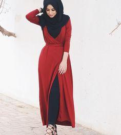 Red kinda day ❤️ wrap dress from Street Hijab Fashion, Arab Fashion, Islamic Fashion, Muslim Fashion, Modest Fashion, Fashion Dresses, Hijab Style Tutorial, Modele Hijab, Hijab Fashionista