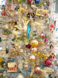 Vintage Ornaments by Crystal: A Christmas Post Primitive Christmas, Christmas Post, Antique Christmas, Merry Little Christmas, Vintage Christmas Ornaments, Winter Christmas, Christmas Crafts, Christmas Decorations, Primitive Crafts