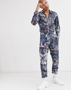 Buy ASOS DESIGN relaxed jumpsuit with utility styling in floral print at ASOS. With free delivery and return options (Ts&Cs apply), online shopping has never been so easy. Get the latest trends with ASOS now. Must Haves, Latest Trends, Asos, Floral Prints, Jumpsuit, Stuff To Buy, Shopping, Dresses, Style