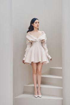 Korean Fashion Dress, Kpop Fashion Outfits, Girl Fashion, Couture Fashion, Korean Style Dress, High Fashion Dresses, Classy Dress, Classy Outfits, Stylish Outfits