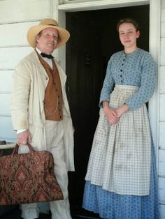 Greenfield Village Civil War Remembrance 2014 in Photographs (with an explanation on photography at a reenactment) 1800s Dresses, Vintage Dresses, Victorian Dresses, Victorian Gothic, Gothic Lolita, 17th Century Fashion, 19th Century, Pioneer Dress, Civil War Dress
