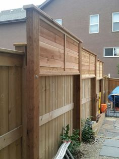 There are three wood privacy fence designs that rank among the top. These include the lattice-top, shadowbox and your basic … Privacy Fence Landscaping, Garden Privacy Screen, Privacy Fence Designs, Outdoor Privacy, Privacy Fences, Backyard Fences, Diy Fence, Garden Fencing, Backyard Landscaping