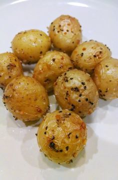 Roasted Baby Yellow Dutch Potatoes for 20 minutes! Baby Dutch Yellow Potatoes Recipe, Oven Roasted Baby Potatoes, White Potatoes, Side Dish Recipes, Veggie Recipes, Baby Food Recipes, Cooking Recipes, Side Dishes, Kitchen
