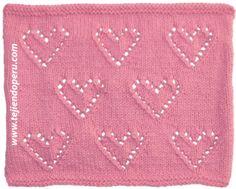 Corazón con bordes calados tejido en dos agujas o palitos