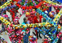 Photo gallery: Stunning life-sized knitted pergola made from items created by Norfolk knitters Beaded Embroidery, Hand Embroidery, Tall Christmas Trees, Pergola Pictures, Knitted Flowers, Yarn Bombing, Garden Theme, Fabric Manipulation, Knitting Projects