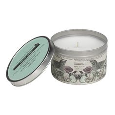 Fresh Apple Candle from the Thoughtful Gardener Range. The candle collection from the Thoughtful Gardener Collection is inspired by the garden and really does evoke the outdoors! This apple fragrance is delicious! Hand pourned in the UK this candle has a burn time of 45 hours.