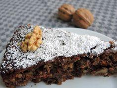 Bild 1 zu Rezept Glutenfreier Walnuss-Schoko-Kuchen mit Hanfsamen + Marzipan