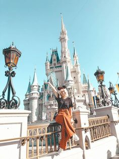 7 able spots at Disney s Magic Kingdom that you don t want to miss Disney World Outfits, Disney World Trip, Disney Vacations, Disney Trips, Disneyland Outfits, Disney Land, Disney Disney, Disney World Pictures, Cute Disney Pictures
