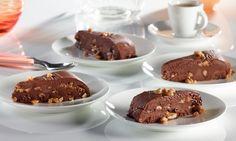 Eisiges Schoko-Erdnuss-Karamell-Dessert - Feinherbe Schokolade mit Erdnüssen und Karamell