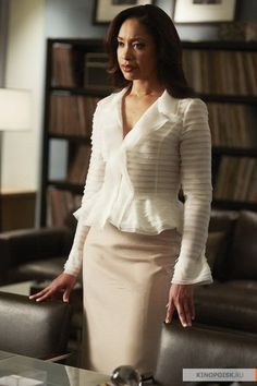 Gina Torres in Suits Fashion Idol, Fashion Tv, Office Fashion, Suit Fashion, Work Fashion, Womens Fashion, Trendy Tops For Women, Suits For Women, Clothes For Women