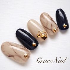 GraceNailさんも使ってるネイルブック。毎日最旬新着ネイル続々♪流行のデザインが丸わかり! Gem Nails, Love Nails, Pretty Nails, Japanese Nail Design, Japanese Nails, Minimalist Nails, Japan Nail Art, Elegant Nails, Beautiful Nail Designs