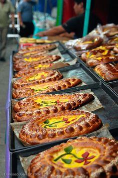 Pan de muerto by Paco Juarez, via Flickr