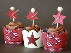Western cupcake style worthy of your celebration - and its easy, too! The Western complete cupcake kit coordinates perfectly with our Western Complete Party Style Kit.  Each kit includes:  6 Lone Star Dessert Skirtz cupcake wrappers 6 Bandana Dessert Skirtz cupcake wrappers 12 Star cupcake toppers (minor assembly needed) 12 brown cupcake liners   Please note:  Small parts could be a choking hazard and are not appropriate for children under 3