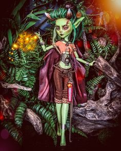"""🌲🍄𝕿𝖍𝖊 𝕯𝖔𝖑𝖑𝖆𝖗𝖎𝖚𝖒🍄🌲 on Instagram: """"Iridesa - a full grown Goblin Mystic. The Goblin Mystics are an extremely rare breed of goblin and are therefore highly respected by other…"""" Custom Monster High Dolls, Monster High Repaint, Custom Dolls, Ooak Dolls, Barbie Dolls, Art Dolls, Doll Repaint, Pretty Dolls, Doll Stuff"""
