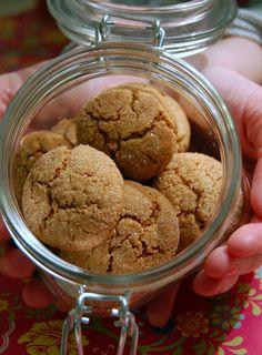 Ingefärskakor Hot Cocoa Recipe, Table Setting Inspiration, Crinkles, Picnic, Ice Cream, Cookies, Sweet, Desserts, Recipes