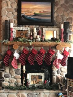 Christmas mantle love! Cant believe how well this turned out!
