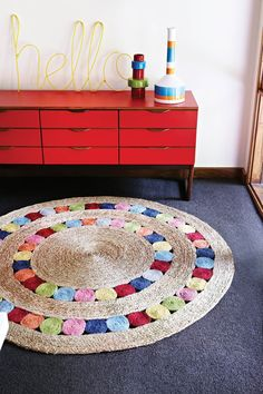 Armadillo & Co Flower Weave - Dandelion - Multi-Color - Delicately crafted from braided and hand stitched soft Bangladeshi hemp, simple circles define this design to create a welcoming play area. Crochet Carpet, Crochet Home, Crochet Rugs, Rope Rug, Jute Crafts, Creation Deco, Fabric Rug, Scrap Fabric, Classic Rugs