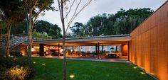 Casa V4 / Studio Mk27- Marcio Kogan + Renata Furlanetto (1)