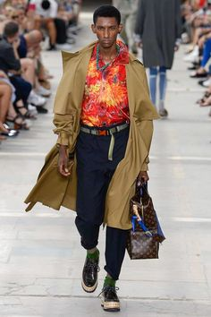 Louis Vuitton Spring-Summer 2018 | Paris Fashion Week