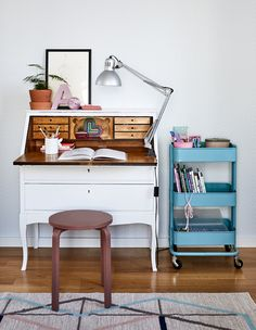 IKEA UK: Selling your home? We've got some tips to help show the best your home has to offer. The kid's room . Best Home Interior Design, Interior Design Inspiration, Frosta, Desk Areas, Home Office Decor, Home Decor, Inspired Homes, Home Staging, Home Living Room