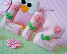 ✿, via Flickr. Felt Name Banner, Felt Letters, Diy Letters, Flower Letters, Felt Diy, Felt Crafts, Diy Crafts, Felt Flowers, Fabric Flowers