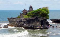 Pura Tanah Lot // Belalang, Bali, Indonesia