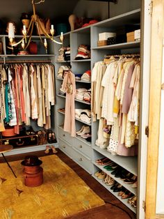 And one more for good measure. This closet is just too pretty!