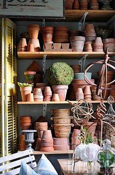 Potting shed detail in Mar Jennings' garden, Connecticut USA Garden Shop, Garden Pots, Garden Benches, Potting Tables, Pot Jardin, Potting Sheds, Garden Structures, Clay Pots, Garden Inspiration