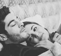 Sweet Dreams my love 🖤 Love Couple Images, Cute Love Couple, Couples Images, Couple Pictures, Cute Couples Goals, Couples In Love, Romantic Couples, Couple Photoshoot Poses, Couple Shoot