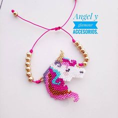 Lindo unicornio tejido en lindos colores.. @angel_y_glamour te trae hermosos accesorios... #bisuteria #accesorios #moda #tendencias #tejidos #miyuki #delica #unicornio Seed Bead Jewelry, Seed Bead Earrings, Beaded Earrings, Beaded Jewelry, Bracelet Patterns, Beading Patterns, Crochet Case, Beading For Kids, Bead Loom Bracelets