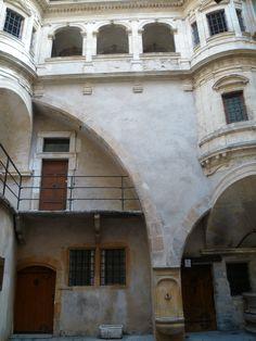 Inner Courtyard - Vieux Lyon