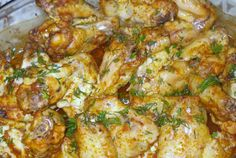 Aripioare cu boia si vin Romanian Food, Chicken Wings, Curry, Food And Drink, Meat, Cooking, Ethnic Recipes, Fine Dining, Kitchens
