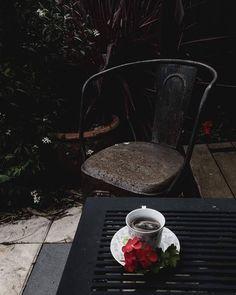 #stilllife #thestudioonline2016 #thestudio2.o #flatlays #pepperminttea #simplethingsinlife #geranium #gardens #homebeautiful #homeandgarden