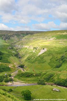 Muker and Keld Photos: Yorkshire Dales Image Library: Swaledale Yorkshire England, Yorkshire Dales, North Yorkshire, England And Scotland, England Uk, Tourist Sites, Northern England, British Countryside, British Isles