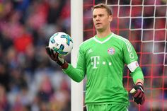 Goalkeeper Manuel Neuer of FC Bayern Muenchen holds the ball during the Bundesliga match between FC Bayern Muenchen and FSV Mainz 05 at Allianz Arena on September 2017 in Munich, Germany. Thomas Muller, Professional Football Teams, Football Pictures, Sports Clubs, Gym Training, Goalkeeper, Excercise, World Cup, Squad