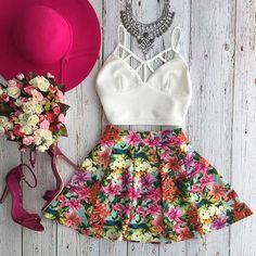 Encontre mais Conjuntos Femininos Informações sobre 2015 venda quente mulheres Outfit cortar cintura vestido sem mangas de duas peças conjunto de treino verão, de alta qualidade Conjuntos Femininos de Lucky women's fashion clothing