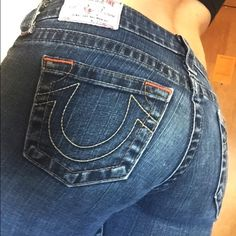 """True Religion super skinny jeans Selling a pair of size 26 authentic True Religion super skinny jeans. Only worn a few times and in perfect condition. I'm not sure exactly how long they are but I would say probably 34"""" inseam. Let me know if you want any additional pics! Original price was $190, selling for $100 firm.  True Religion Jeans Skinny"""
