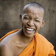 Happy Monk ... - Pixdaus