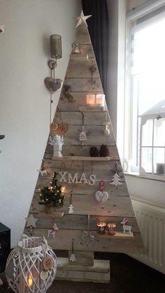 17 originales diseños para hacer un árbol de navidad con palets