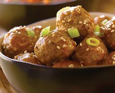 This delicious Slow Cooker Meatballs recipe is perfect for your Chinese New Year party! #Recipe #ChineseNewYear