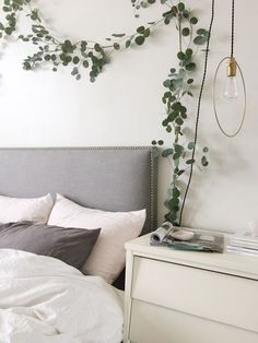 above bed, above signs i made Cheap Home Decor, Diy Home Decor, Decoration Bedroom, Farmhouse Side Table, Cute Dorm Rooms, My Room, Living Room Designs, Interior Design, Eucalyptus Garland