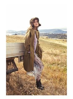 New Fashion Editorial Vogue Boho Ideas Fashion Foto, Farm Fashion, Country Fashion, New Fashion, Trendy Fashion, Fashion Models, Fashion Show, Autumn Fashion, Fashion Outfits