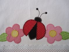 Panos de prato com patchaplique.escolha a cor e o tema. Free Applique Patterns, Sewing Appliques, Applique Quilts, Applique Designs, Quilt Patterns, Patch Quilt, Baby Crafts, Diy And Crafts, Handmade Embroidery Designs