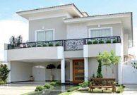 Referências clássicas nortearam o projeto arquitetônico e decorativo desta casa de forma bem dosada . Villa Design, Facade Design, Exterior Design, Architecture Design, Design Architect, Duplex House Design, House Front Design, Modern House Design, Apartment Design