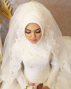 Muslim Wedding Gown, Hijabi Wedding, Wedding Hijab Styles, Muslimah Wedding Dress, Muslim Wedding Dresses, Muslim Brides, Wedding Dress Trends, Bridal Wedding Dresses, White Wedding Dresses