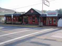 Another Local Favorite Is Bearland General Store And Grill. Best Burgers In  Town! Located At Red Light Number 8 In Gatlinburg On Historic Nature Trail.