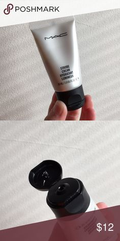 Mac Travel Size Strobe Cream MAC Strobe Cream is a luminous primer. You may also mix it with your foundation to make it a duwy look. FULL BOTTLE. Used a pea size ONCE. SIZE: 30mL (1oz) MAC Cosmetics Makeup