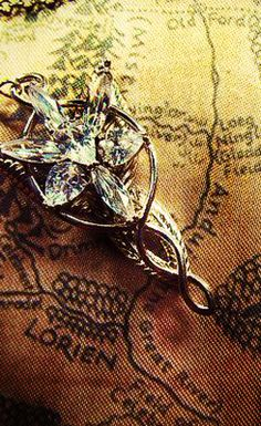 The Lord of the Rings: Arwen's Evenstar necklace