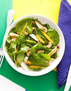 Salade d'épinards au poulet et à la mangue  pour 4 personnes - Recettes Elle à…